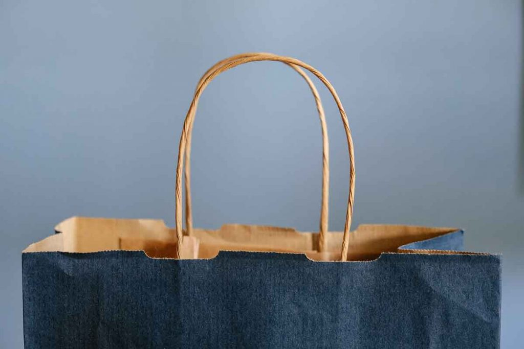 Client testimonial influences a person's purchasing behavior